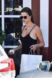 Alessandra Ambrosio - Shopping at Brentwood Country Mart