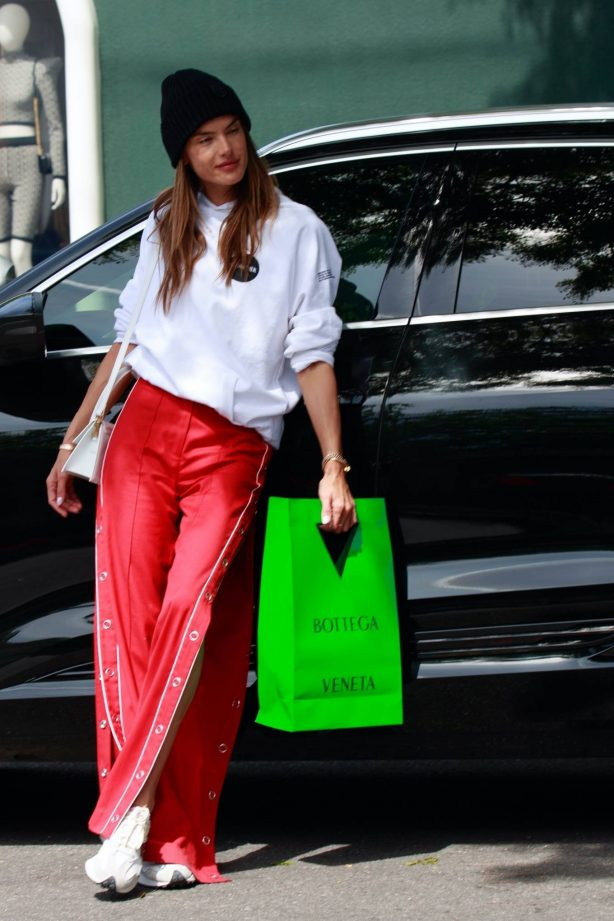 Alessandra Ambrosio - Shopping at Melrose Place in West Hollywood