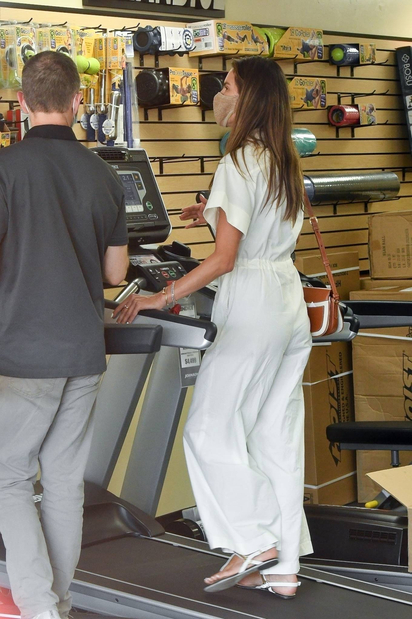 Alessandra Ambrosio - Shops for gym equipment in Brentwood