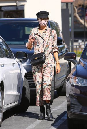 Alessandra Ambrosio - Spotted at a Skin Care Clinic in Los Angeles