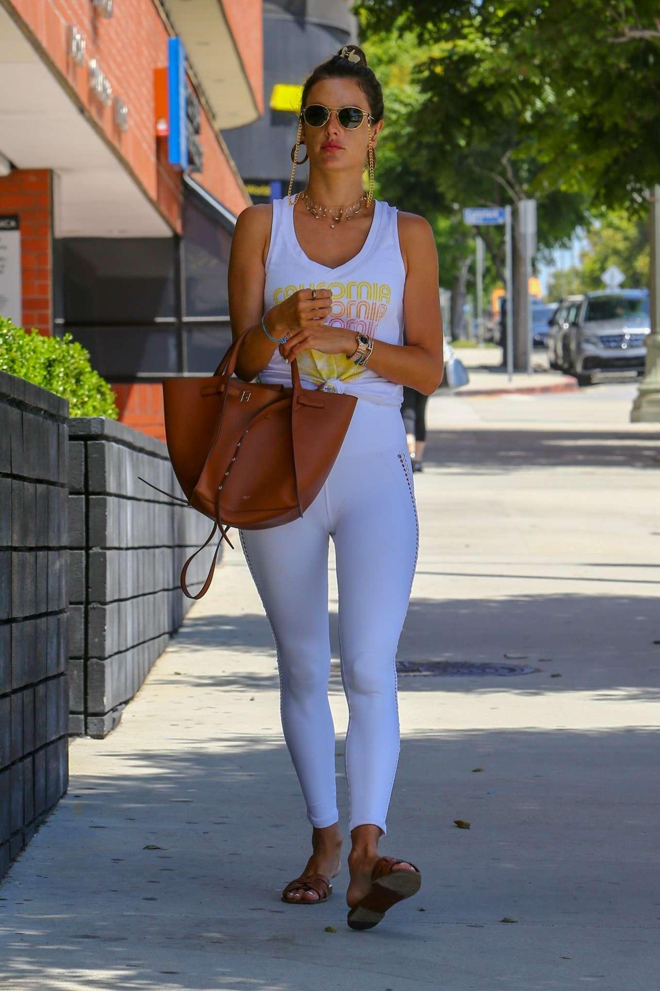 Alessandra Ambrosio 2019 : Alessandra Ambrosio – Spotted while exits a pilates studio in Los Angeles-28