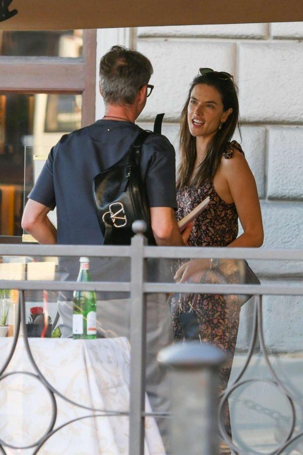 Alessandra Ambrosio - Spotted with her boyfriend Nicolò Oddi in Florence - Italy