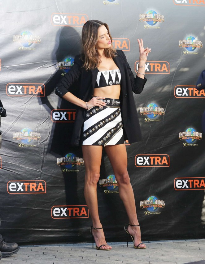 Alessandra Ambrosio – Visits 'Extra' at Universal Studios Hollywood