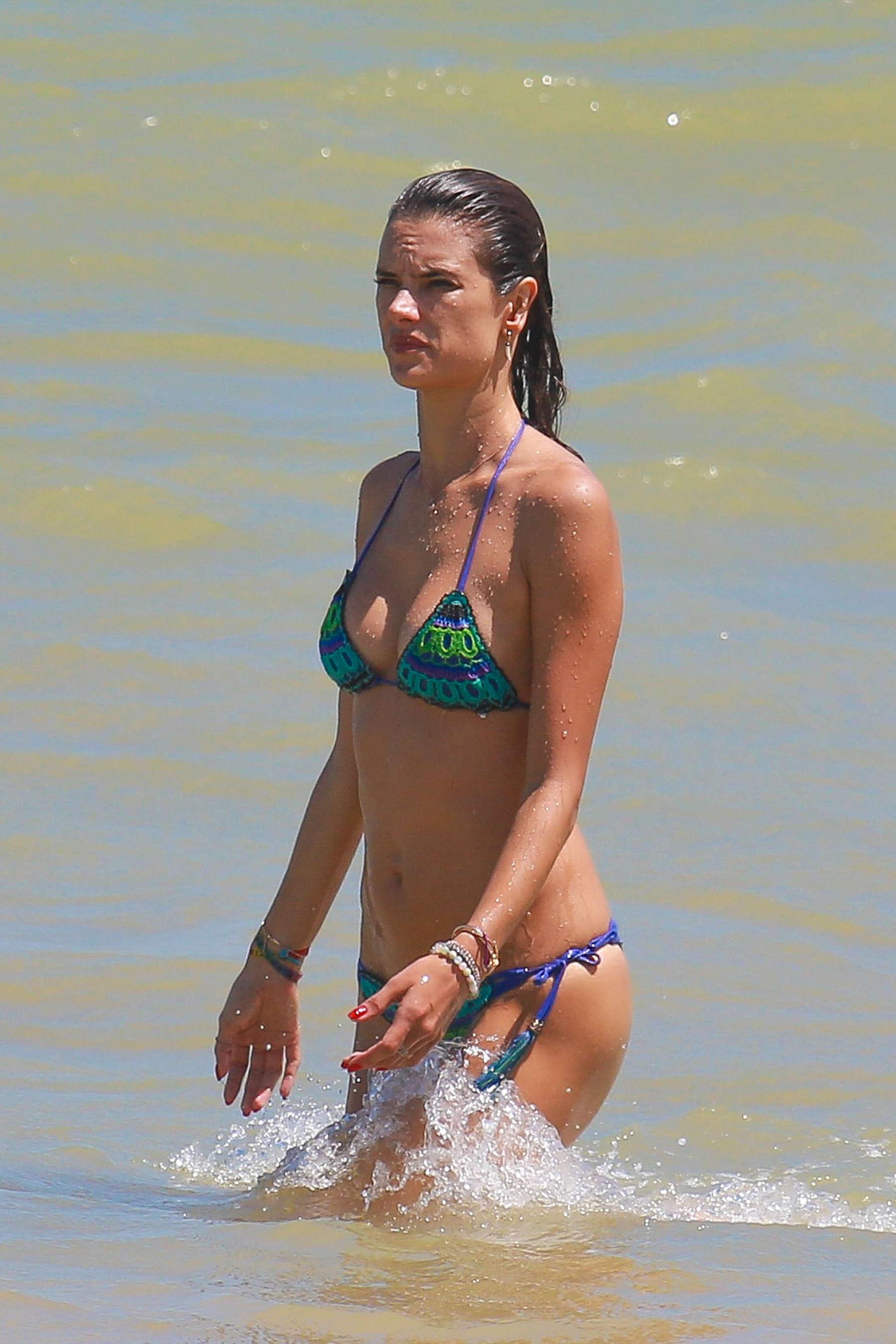 Alessandra Ambrosio 2016 : Alessandra Ambrosio Hot in Bikini -03