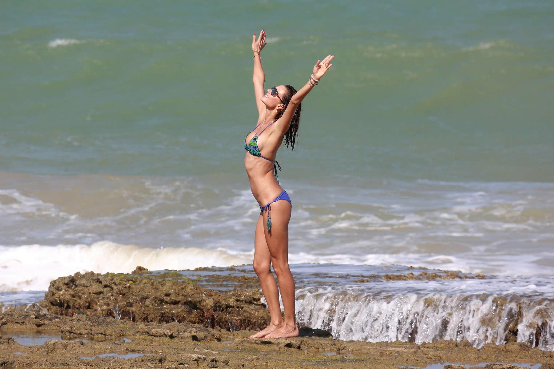 Alessandra Ambrosio 2016 : Alessandra Ambrosio Hot in Bikini -09