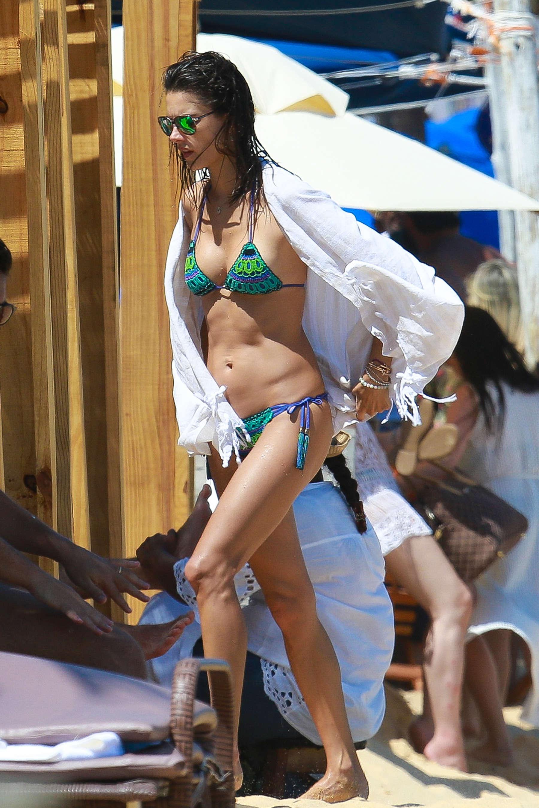 Alessandra Ambrosio 2016 : Alessandra Ambrosio Hot in Bikini -14