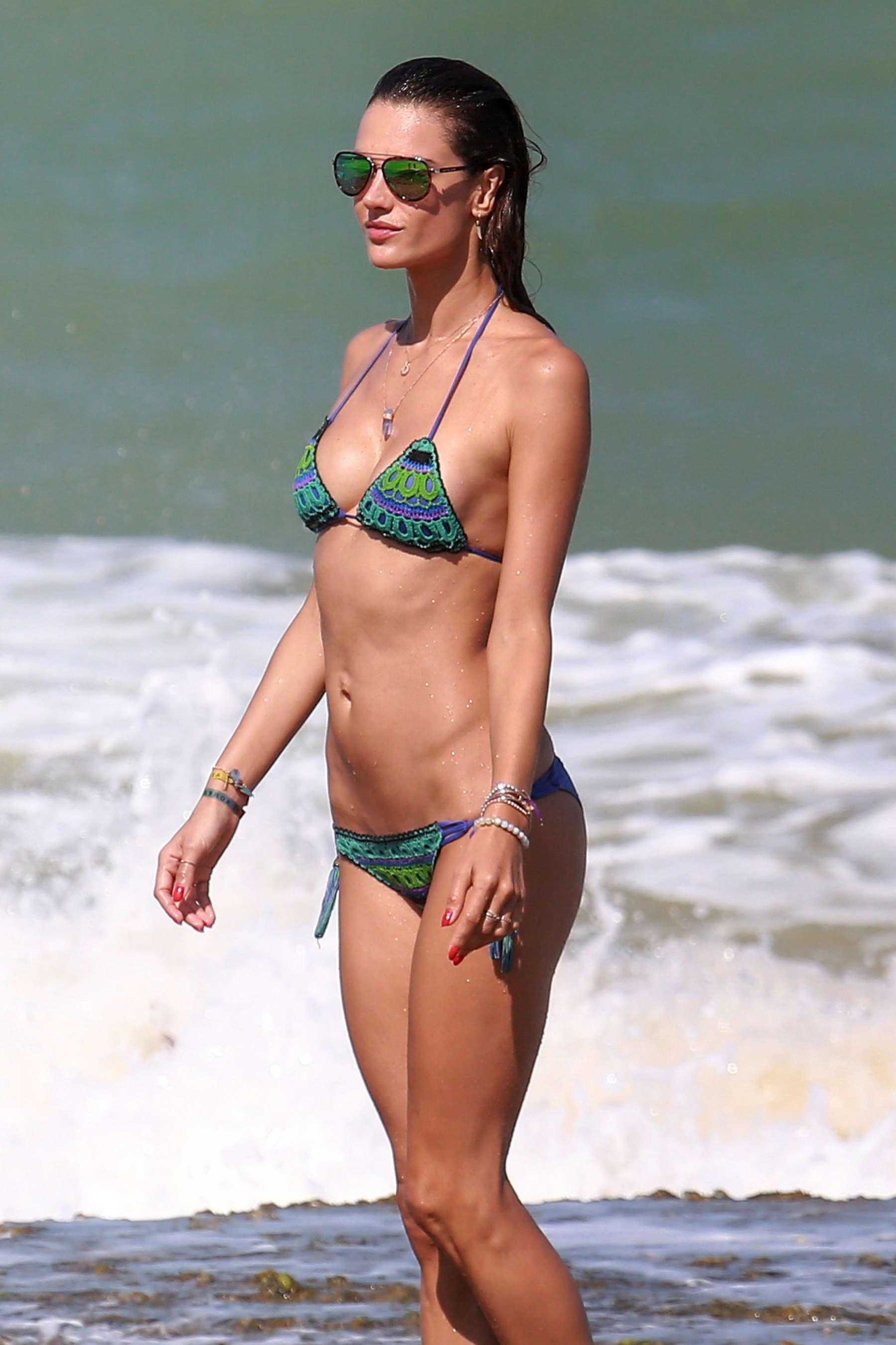 Alessandra Ambrosio 2016 : Alessandra Ambrosio Hot in Bikini -19