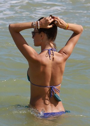 Alessandra Ambrosio Hot in Bikini -31