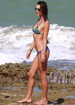 Alessandra Ambrosio Hot in Bikini -33