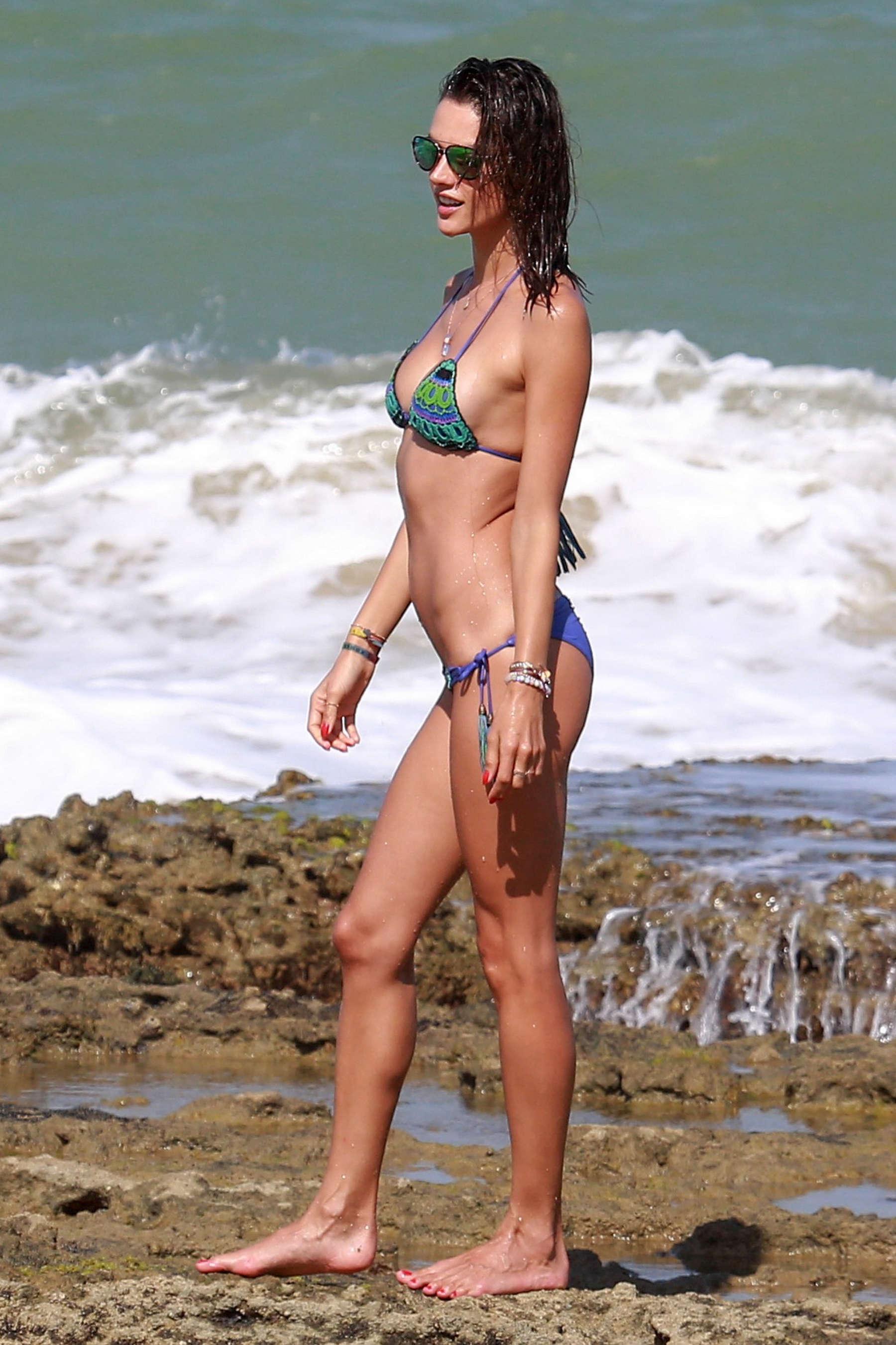 Alessandra Ambrosio 2016 : Alessandra Ambrosio Hot in Bikini -33
