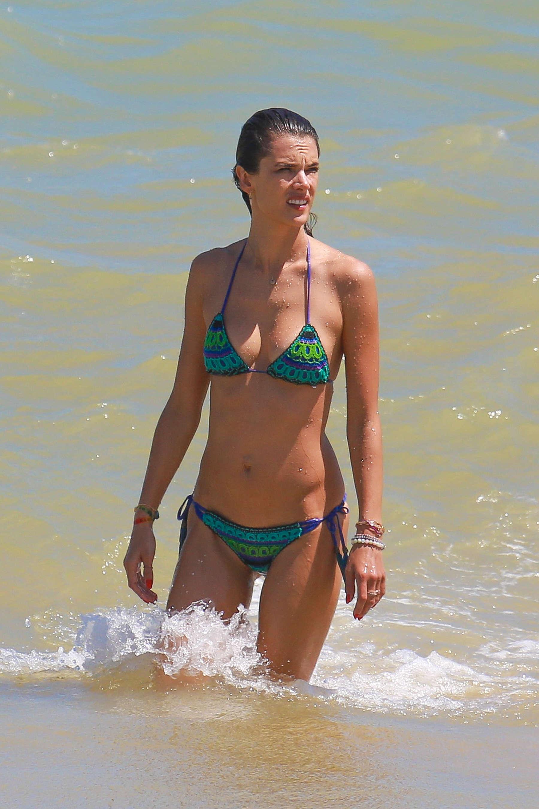 Alessandra Ambrosio 2016 : Alessandra Ambrosio Hot in Bikini -43