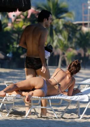 Alessandra Ambrosio in Bikini -09