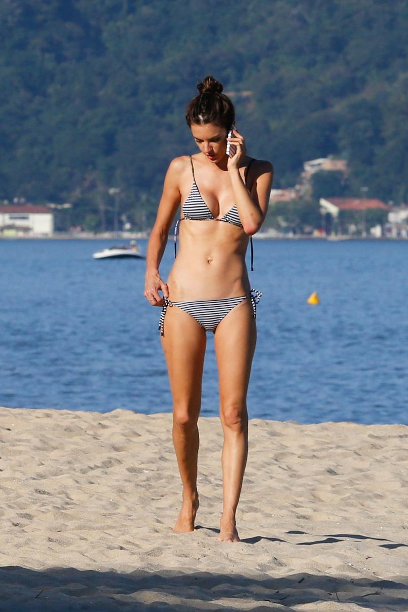 Alessandra Ambrosio 2015 : Alessandra Ambrosio in Bikini -16