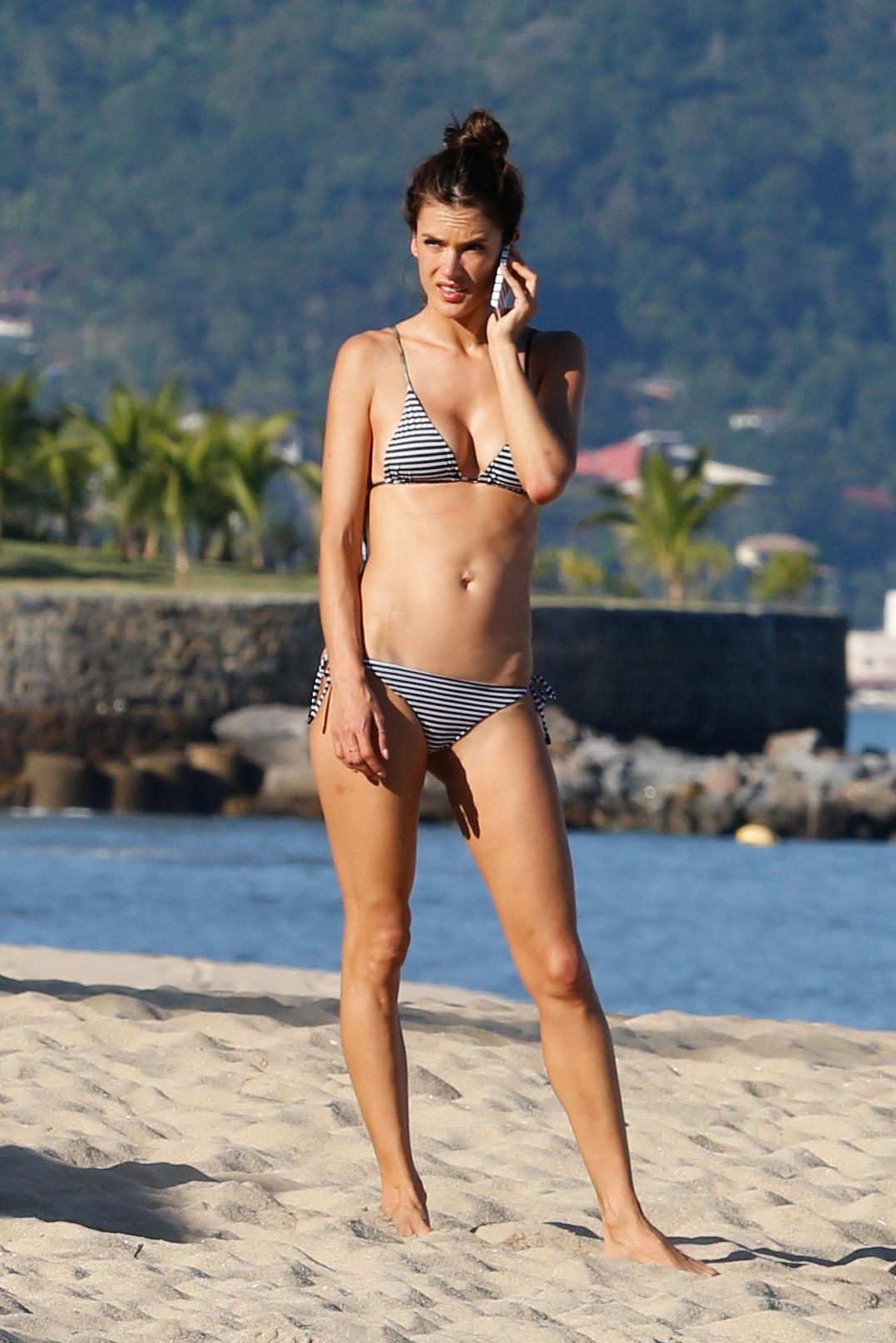 Alessandra Ambrosio 2015 : Alessandra Ambrosio in Bikini -18