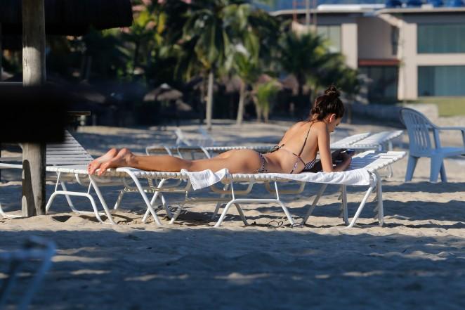 Alessandra Ambrosio in Bikini -40