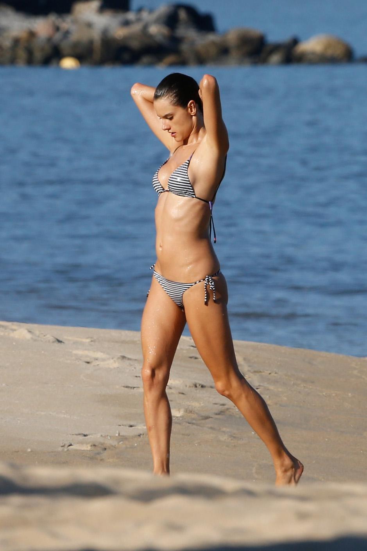 Alessandra Ambrosio 2015 : Alessandra Ambrosio in Bikini -48