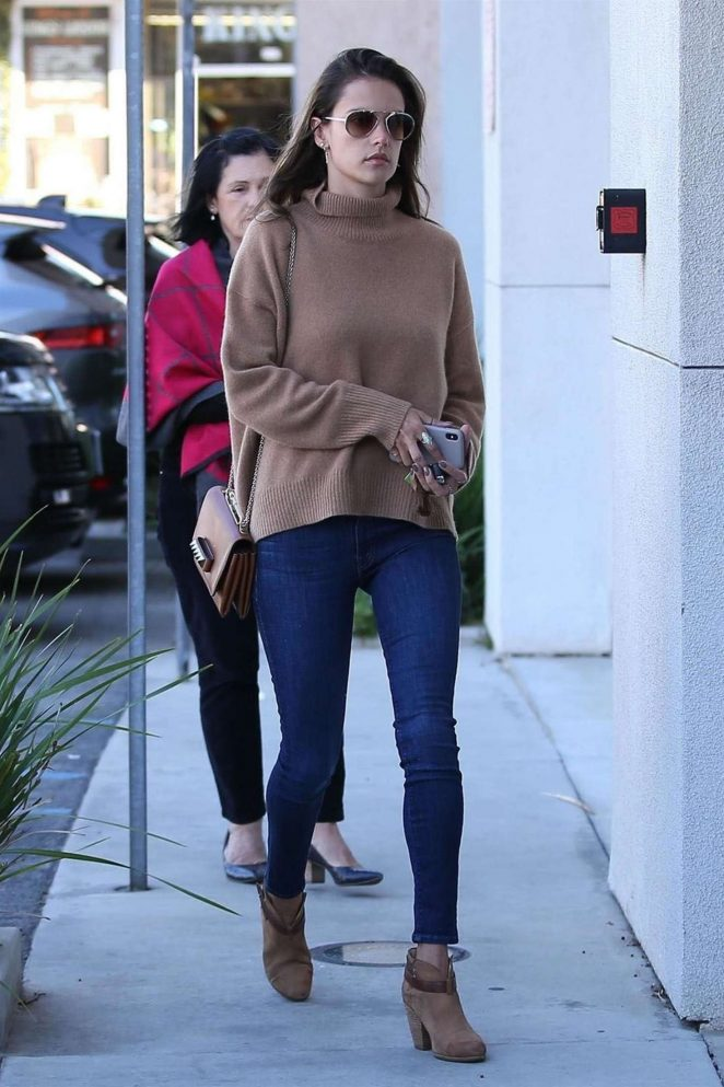 Alessandra Ambrosio 2018 : Alessandra Ambrosio with her mom at the Range Rover Dealership -06