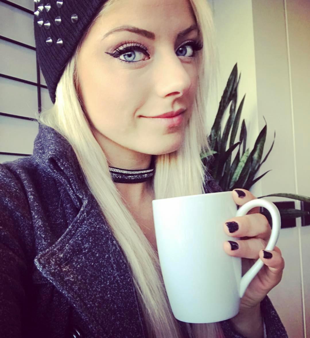 Alexa Bliss 2020 : Alexa Bliss – Instagram and social media-02