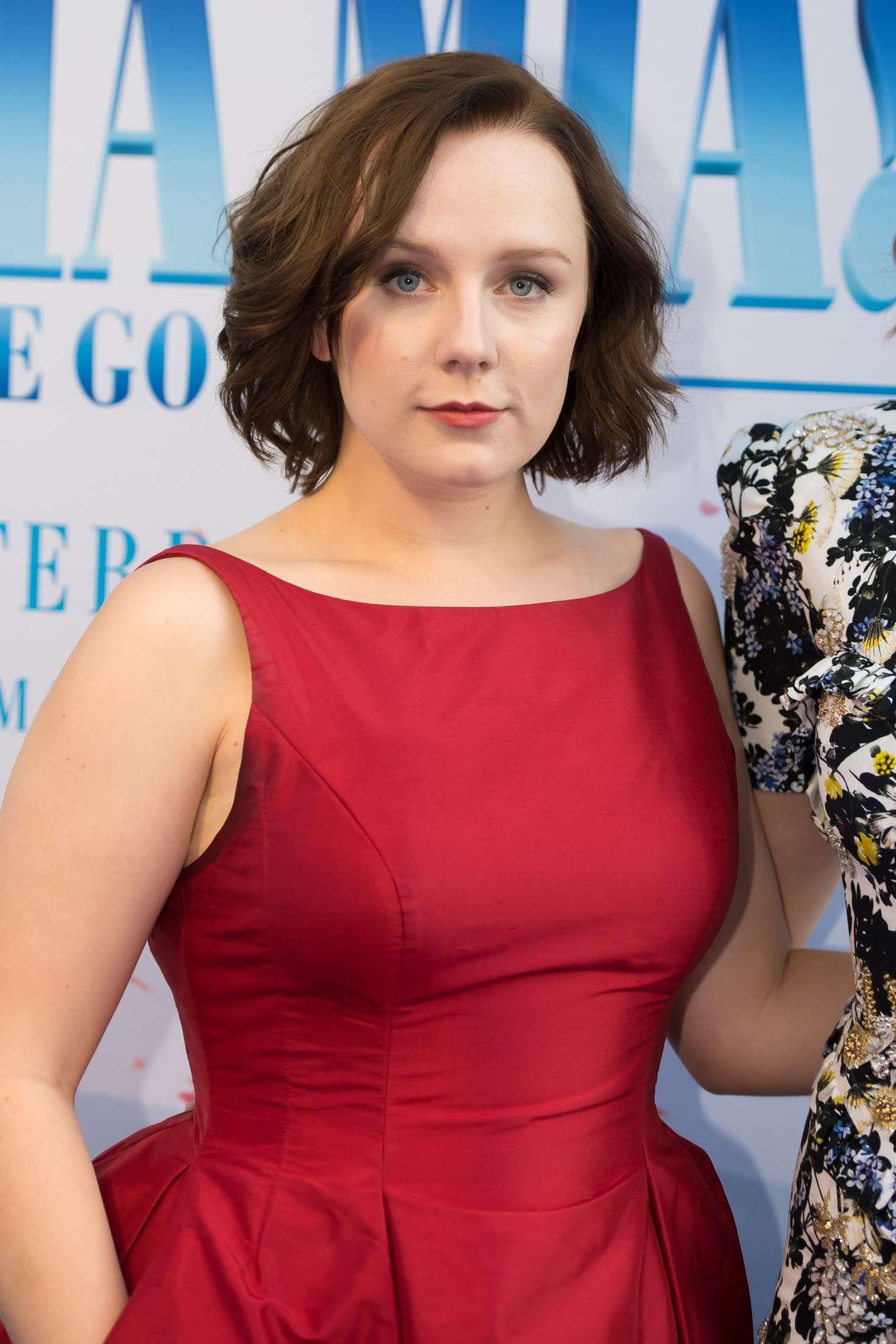 Lily Collins (born 1989 (naturalized American citizen) pics