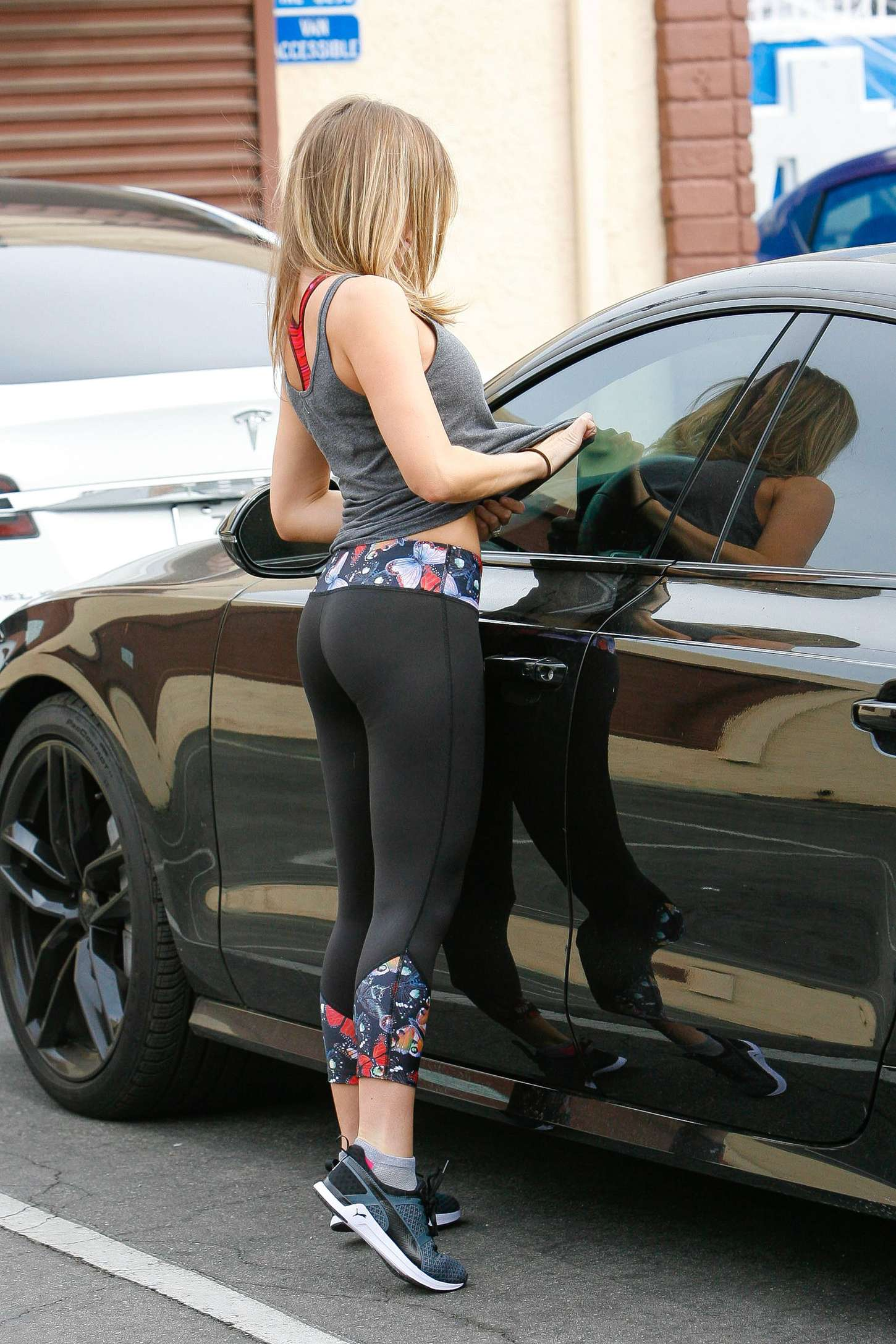 Hollywood Celeb In Spandex Photo 23
