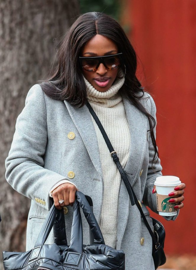 Alexandra Burke - Arrives at the SCD practice studio in London