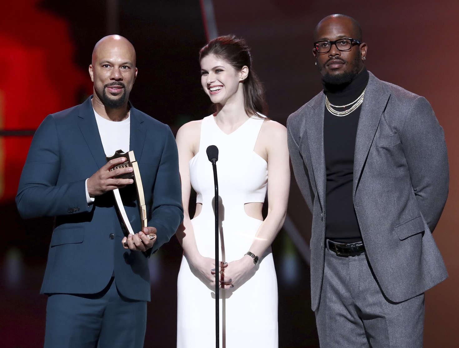 Alexandra Daddario 2017 : Alexandra Daddario: 2017 NFL Honors -10