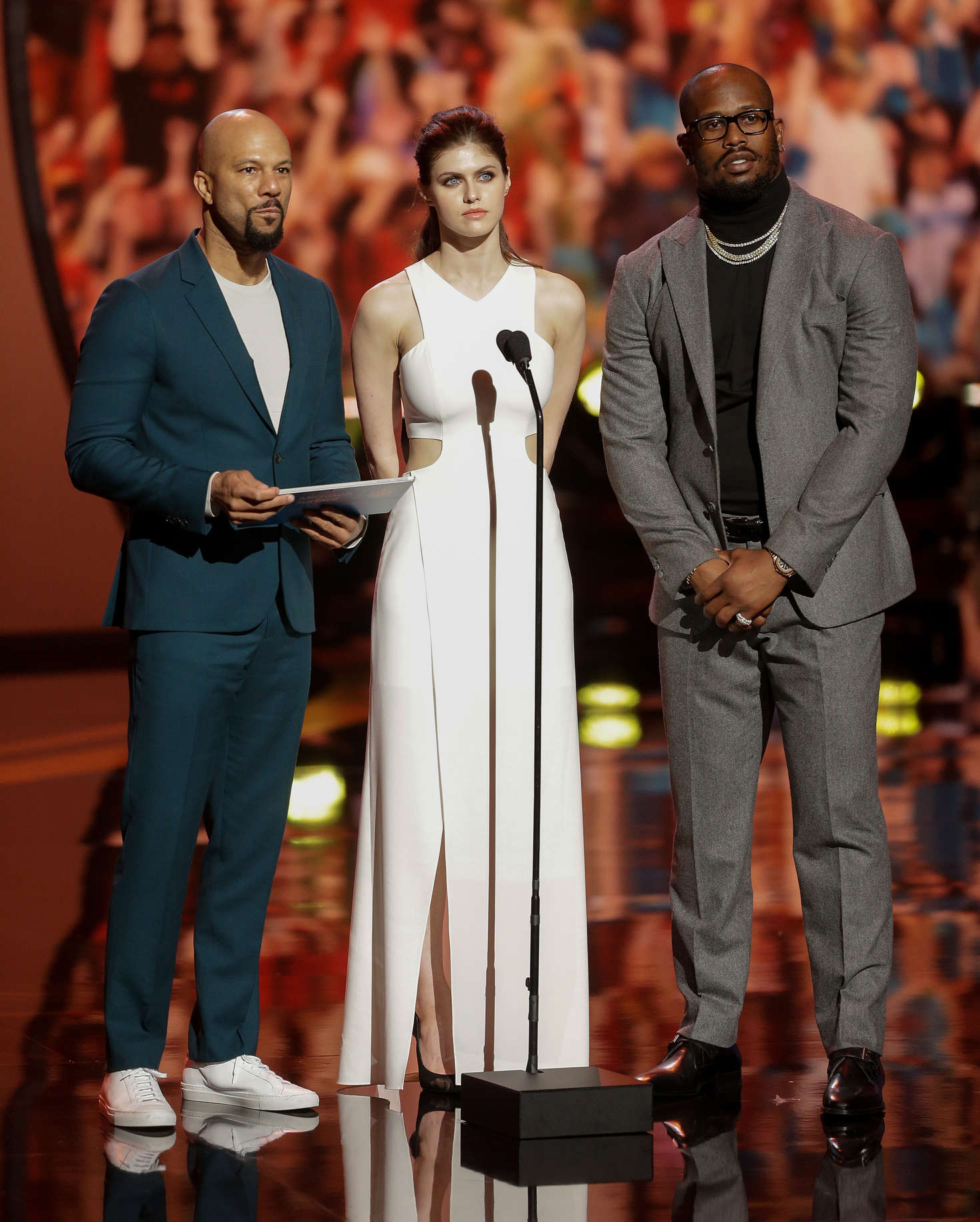Alexandra Daddario 2017 : Alexandra Daddario: 2017 NFL Honors -12