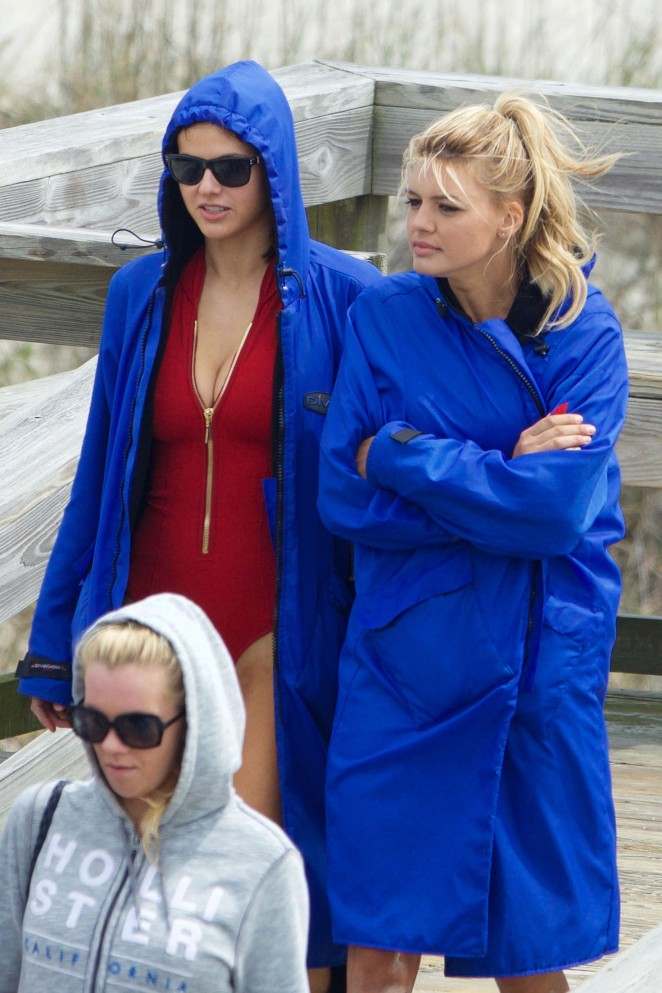 Alexandra Daddario and Kelly Rohrbach - On the Set of 'Baywatch' in Tybee