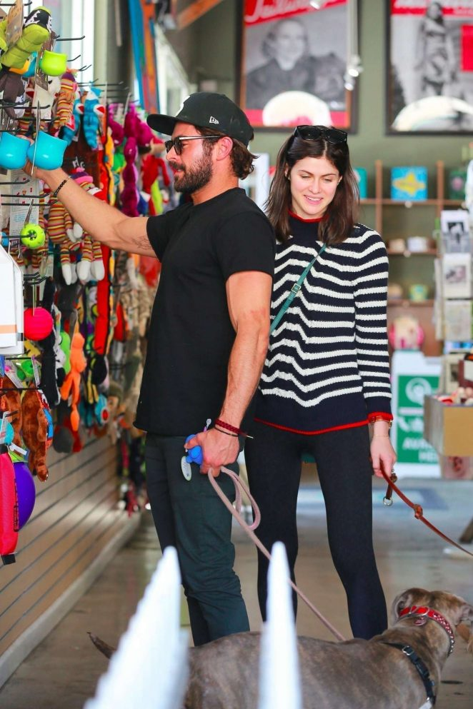 Alexandra Daddario and Zac Efron - Shopping for their dogs in Los Angeles