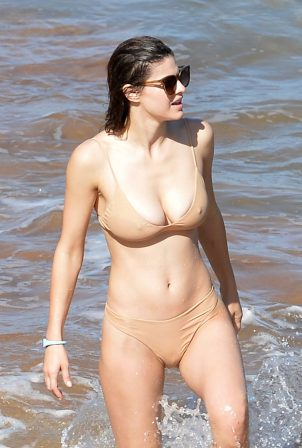 Alexandra Daddario - Bikini candids at the beach in Maui - Hawaii