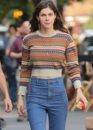 Alexandra Daddario - Filming 'Can You Keep A Secret' in New York