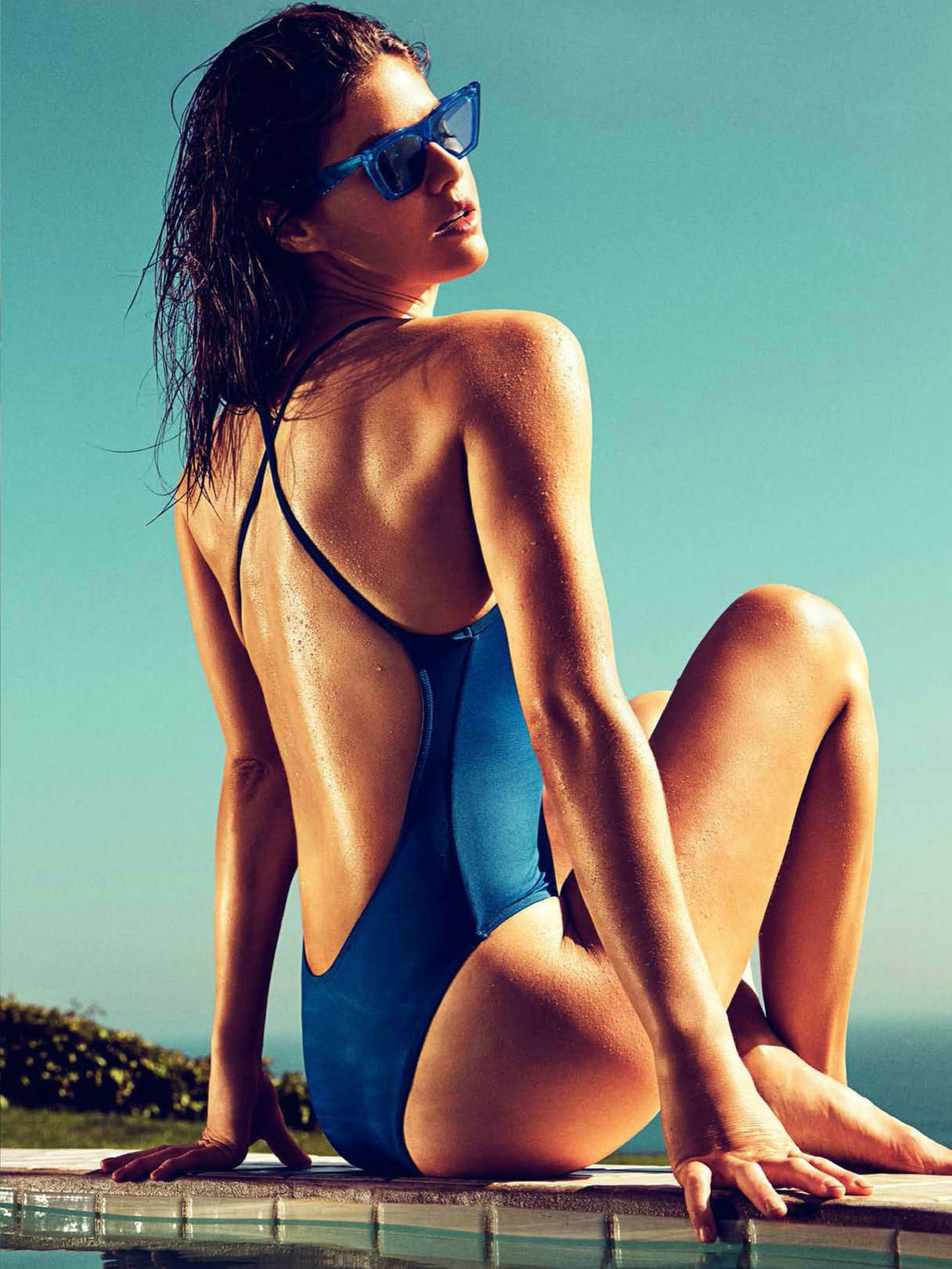 Alexandra Daddario - GQ Spain Magazine (July/August 2017) adds