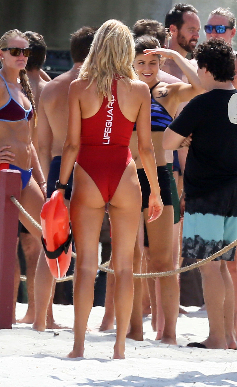 Alexandra Daddario Hot On The Set Of Baywatch In Georgia 07 Full Size
