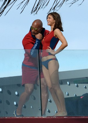 Alexandra Daddario in Bikini Bottom on Baywatch set -02