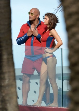 Alexandra Daddario in Bikini Bottom on Baywatch set -19