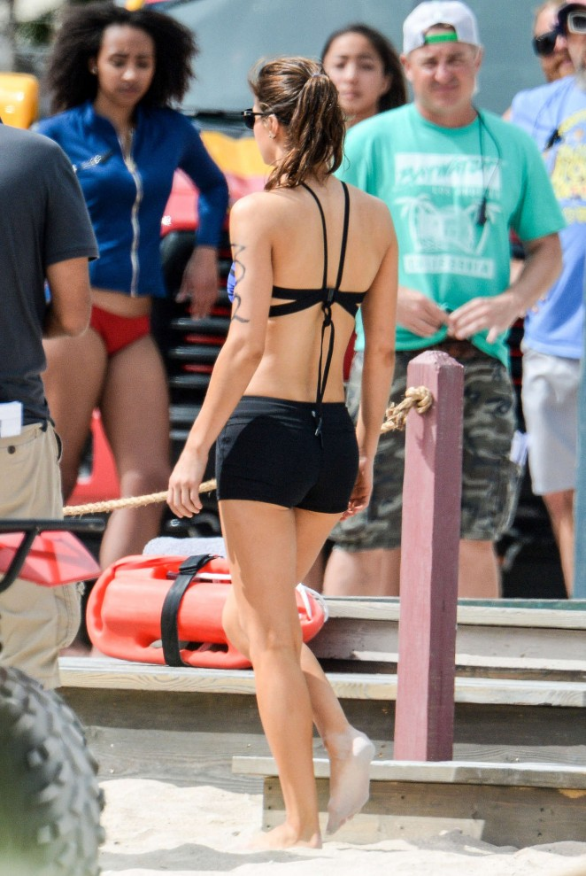 Alexandra Daddario on 'Baywatch' set in Miami
