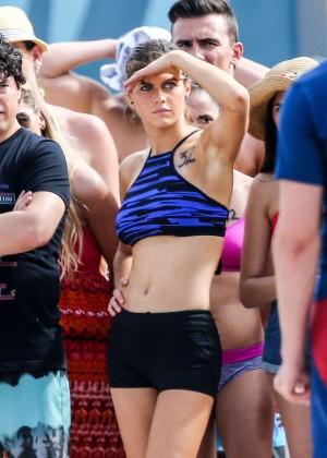 Alexandra Daddario on Baywatch set -32