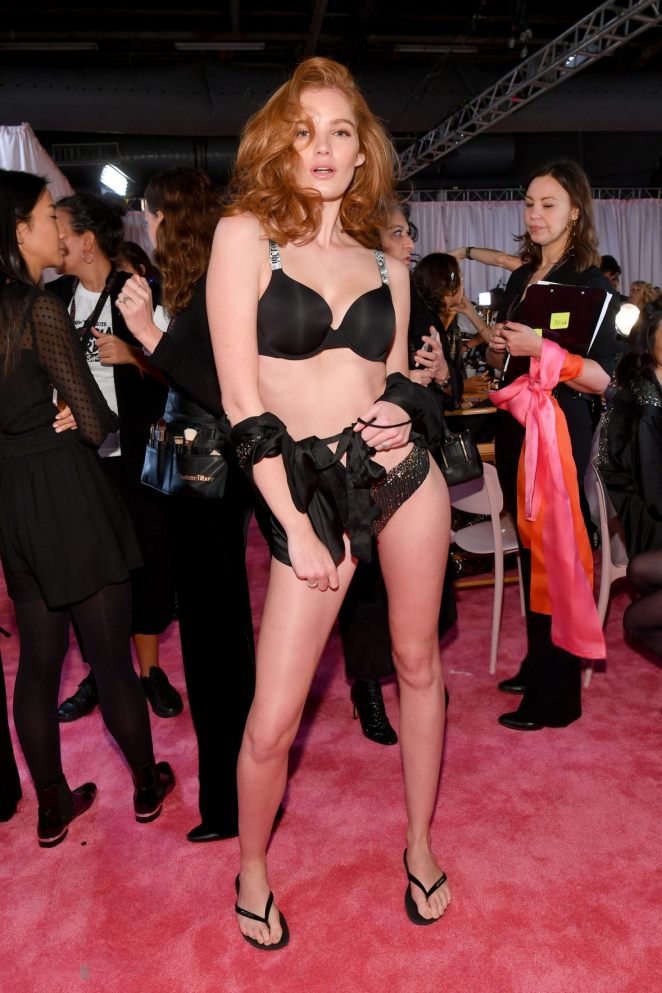 Alexina Graham - Victoria's Secret Fashion Show 2018 Backstage in NY