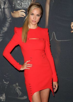 Alexis Knapp - 'Pitch Perfect 3' Premiere in Los Angeles