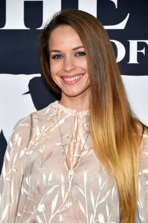 Alexis Knapp - 'The Call Of The Wild' premiere in Los Angeles