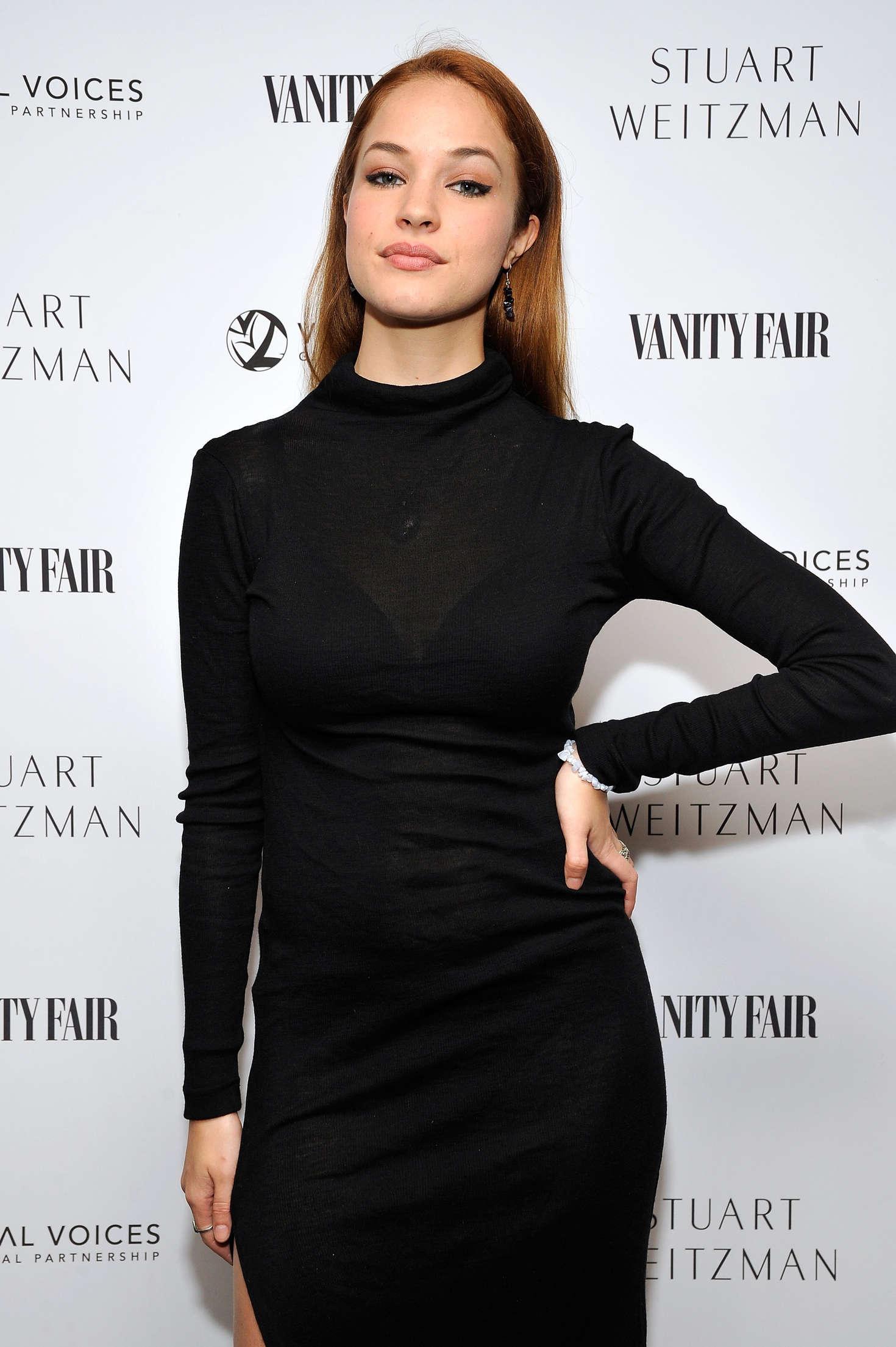 Alexis Knapp Vanity Fair And Stuart Weitzman Luncheon To Celebrate Elizabeth Banks In La