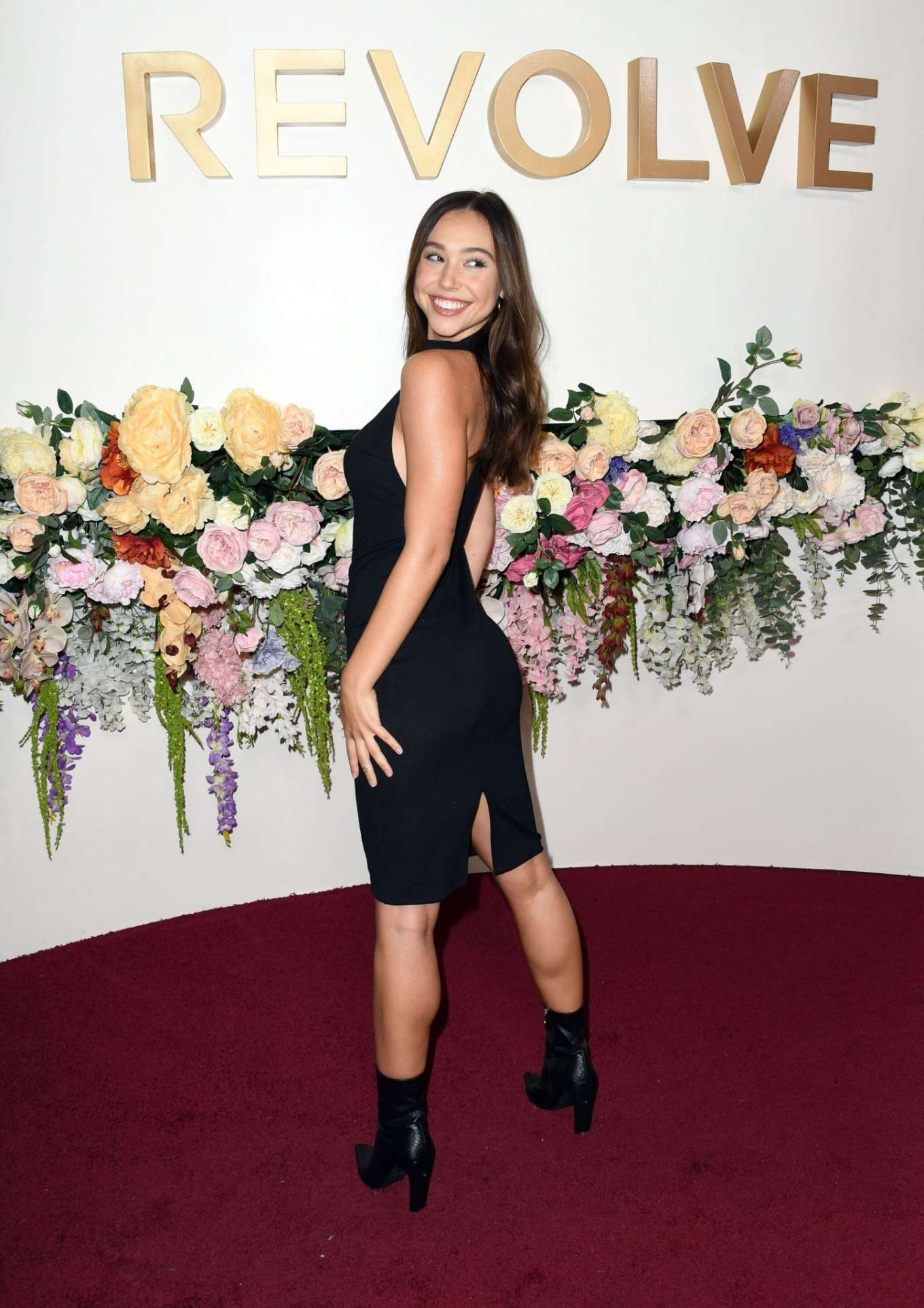 Alexis Ren - 2019 REVOLVE awards in West Hollywood