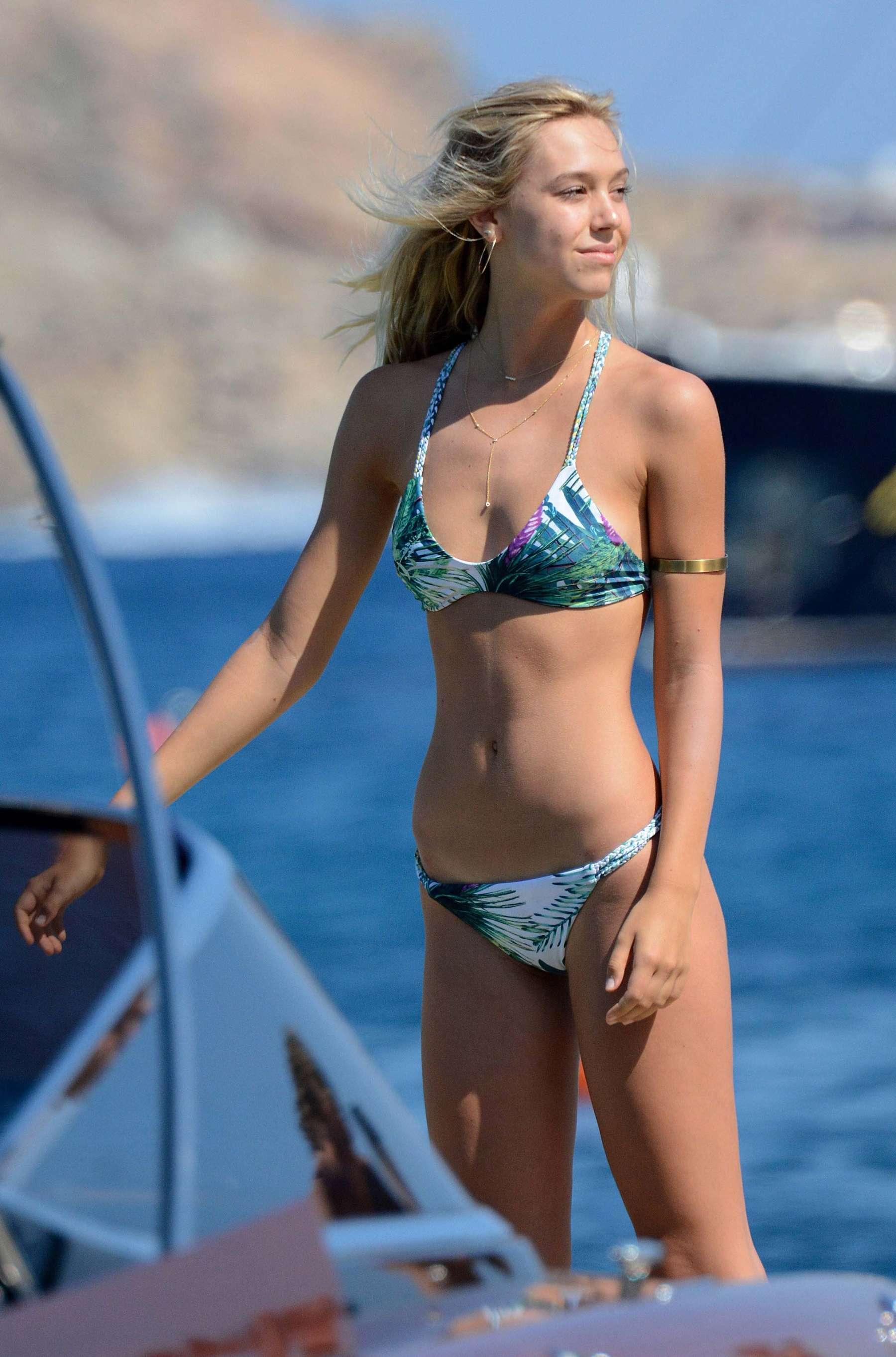 Alexis Ren Bikini Nude Photos 87