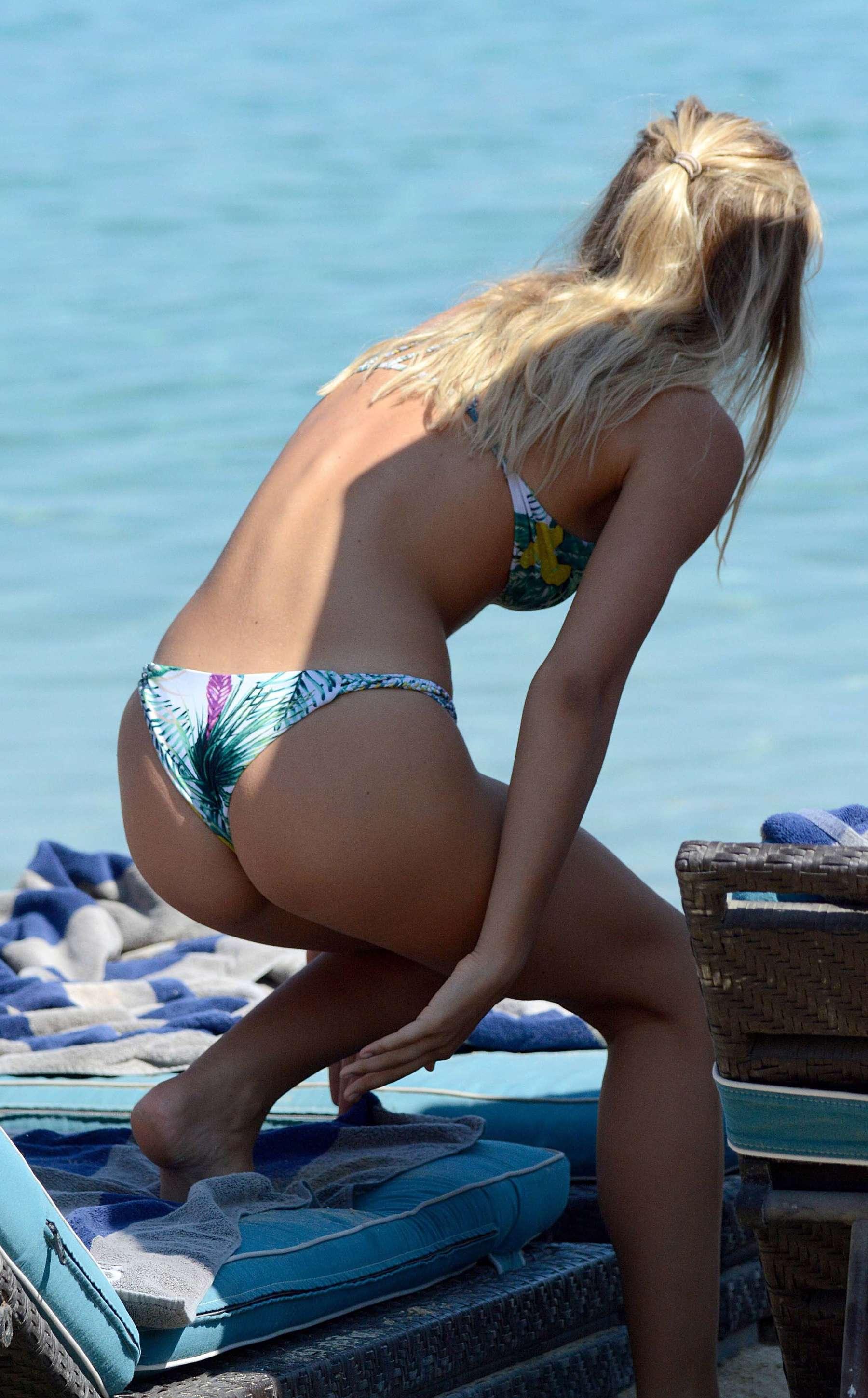 Alexis Ren Bikini Nude Photos 84