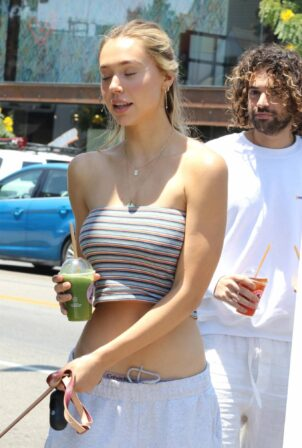 Alexis Ren - Getting coffee from Joe and the Juice in Los Angeles