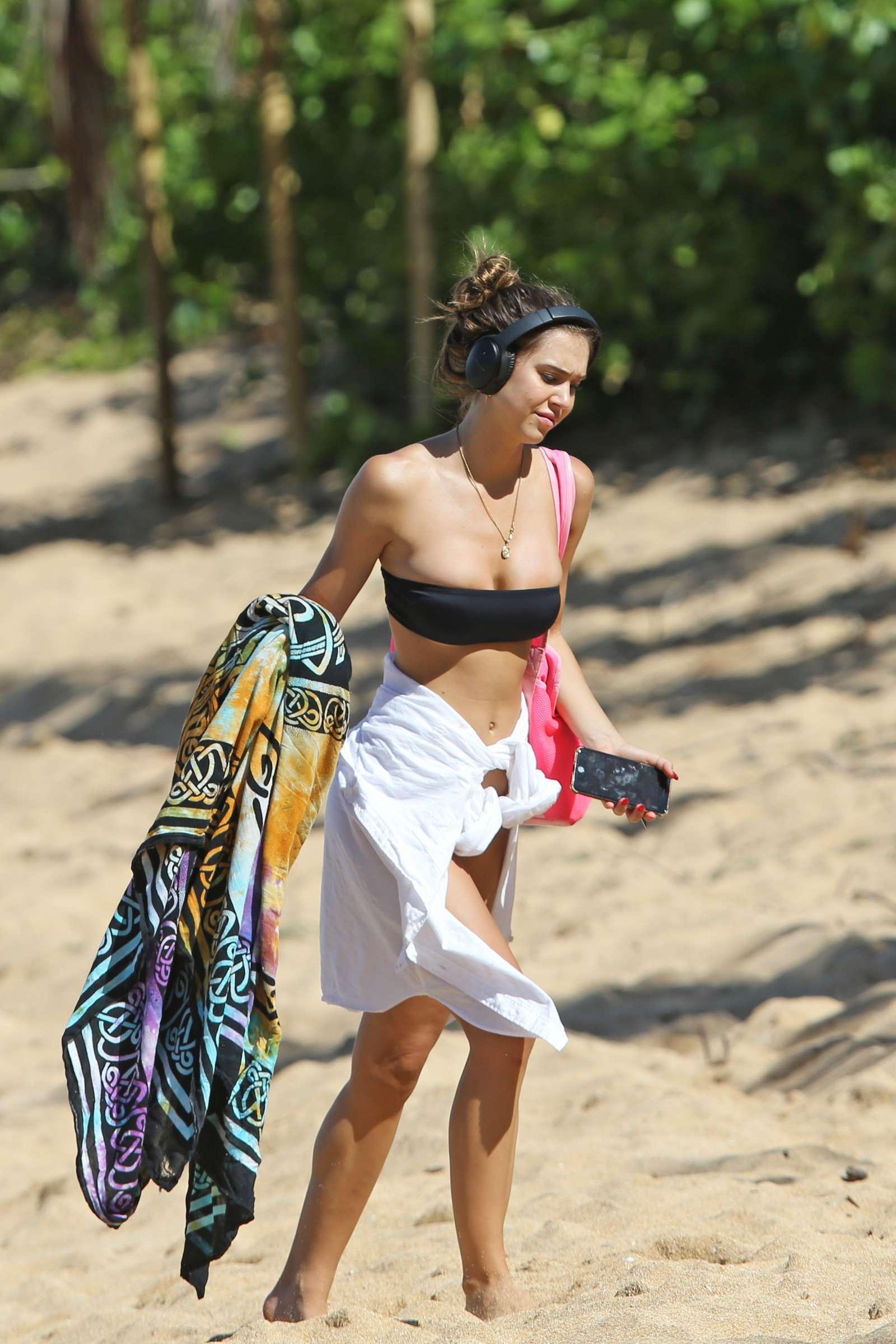 Alexis Ren in Bikini at a beach in Hawaii | Indian Girls ...