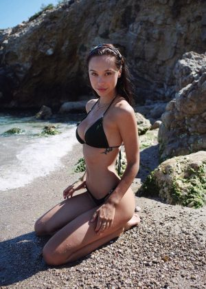 Alexis Ren in Bikini - Social pics