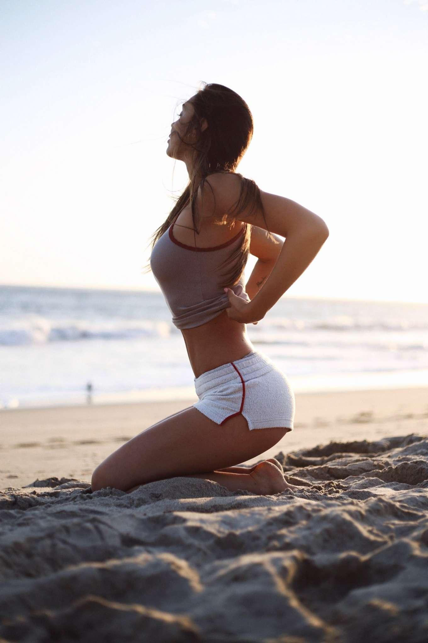 Mclaughlin bikini madison Madison Leisle