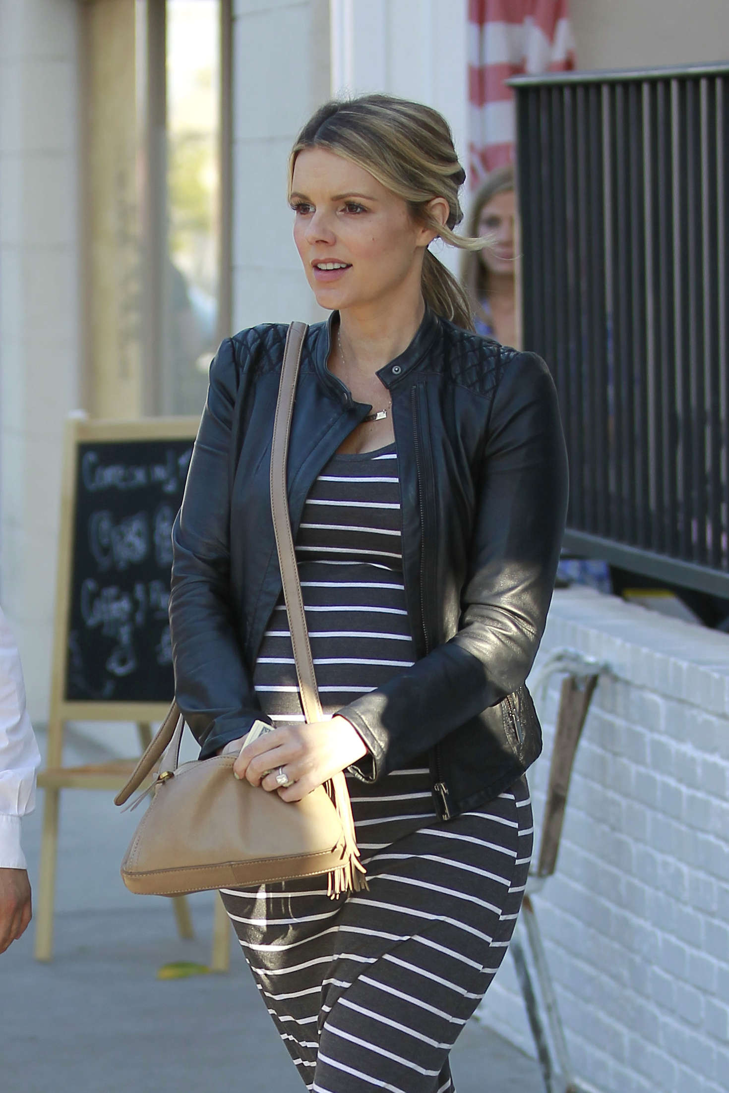 Ali Fedotowsky - Leaving AU FUDGE in Los Angeles