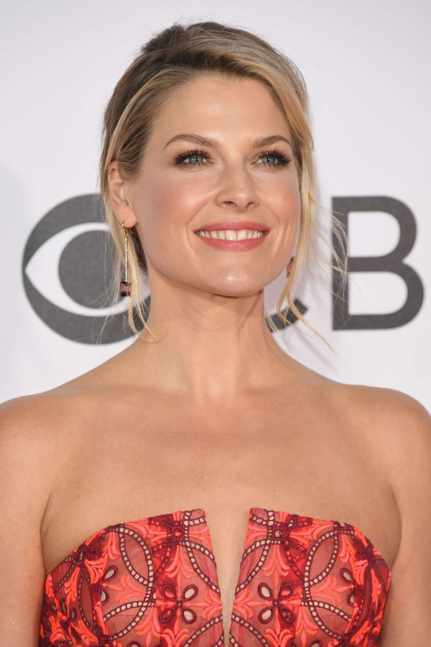 Ali Larter: 2017 Peoples Choice Awards -23 | GotCeleb